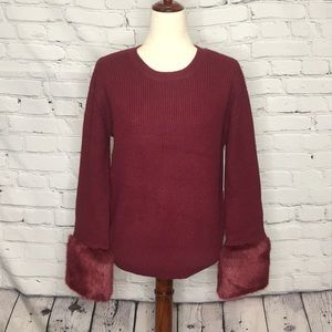 LOVE TOKEN SWEATER WITH FAUX FUR CUFFS SIZE M